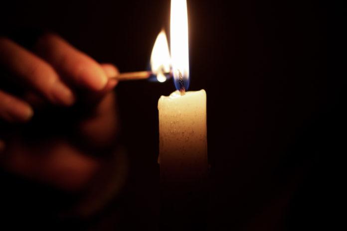 Tänd ett ljus i mörkret